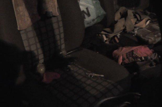 В Полтавской области остановлен автомобиль с арсеналом оружия (ФОТО) (фото) - фото 2