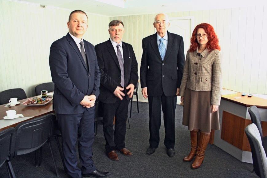 Ректор Юрій Гаврилюк та Світлана Кашуба, зав. кафедри інформаційних технологій, системної інженерії та дизайну