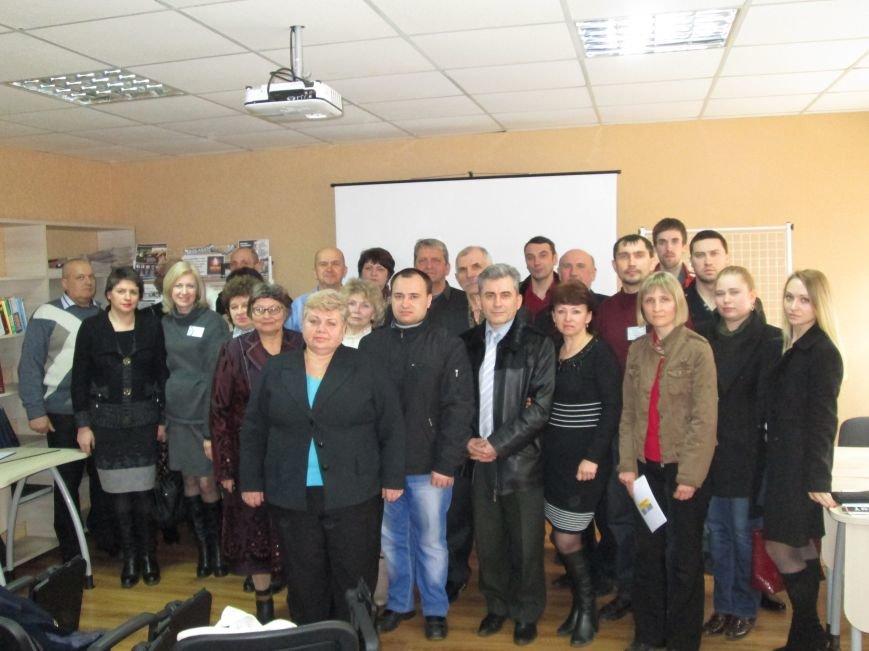 В Димитрове состоялась 3-я историко-краеведческая конференция на тему голодомора, фото-3