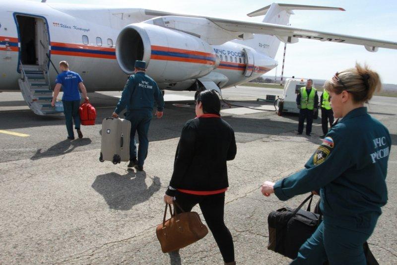 Из Симферополя в больницы России спецбортом отправили трех тяжелобольных детей (ФОТО), фото-1