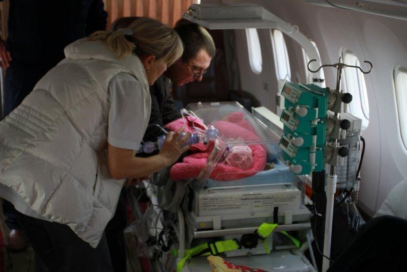 Из Симферополя в больницы России спецбортом отправили трех тяжелобольных детей (ФОТО), фото-4