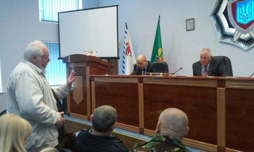 Десятки криворожан пришли пожаловаться помощнику Министра МВД (ФОТО) (фото) - фото 2