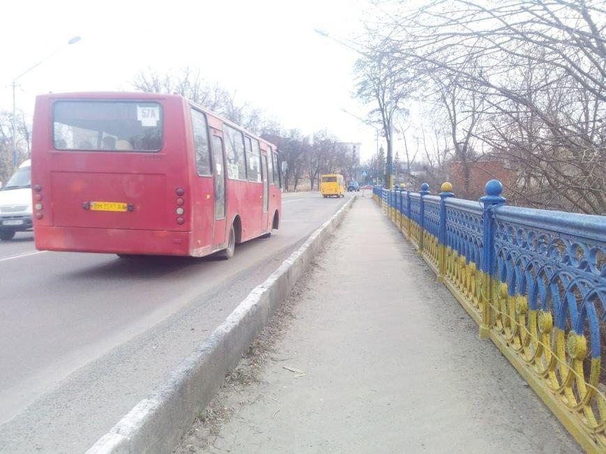 Аварийный мост: В Сумах подмыло опоры путепровода КРЗ (ФОТО) (фото) - фото 1