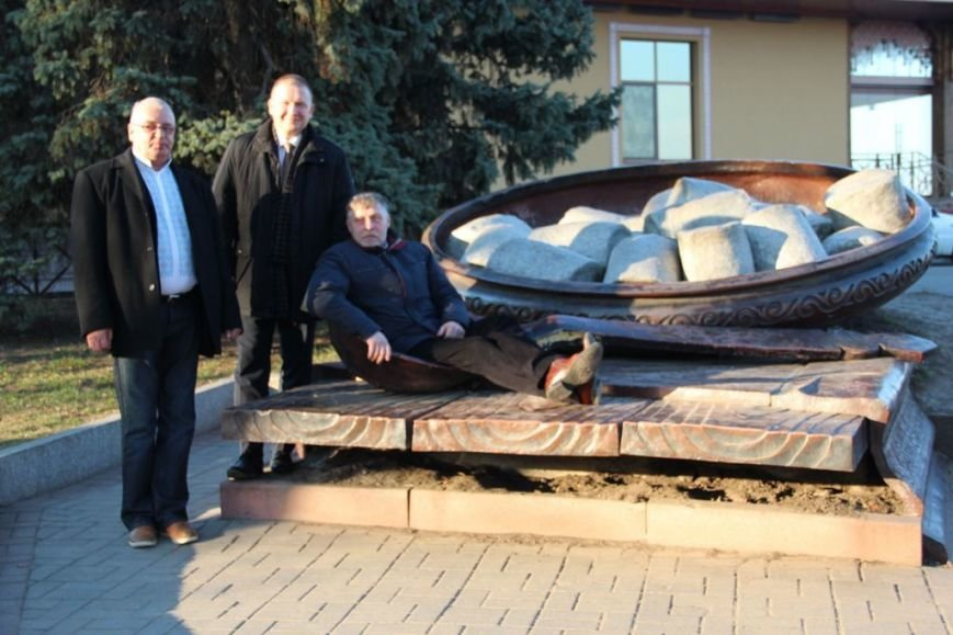 Зліва направо Волдіс Ажубаліс, Неріюс Варнас, Вітаутас Валаітіс