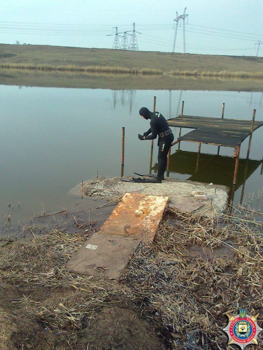 В Артемовском районе тайники с боеприпасами, оставленные боевиками ДНР, находят даже под водой, фото-2