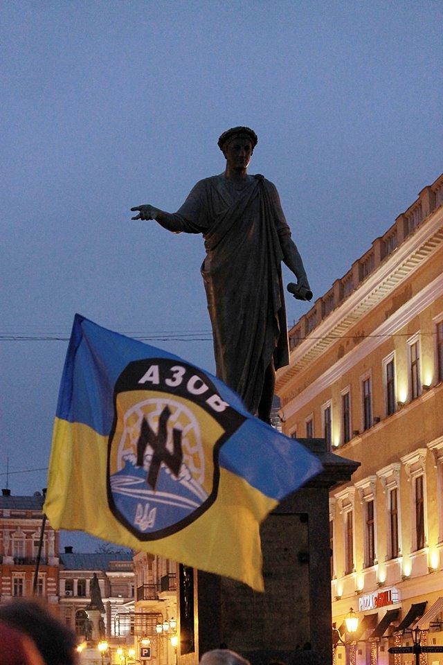 40 дней со смерти героев: в Одессе помянули  «азовцев» (фото) - фото 4