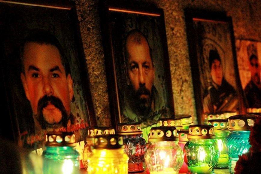 40 дней со смерти героев: в Одессе помянули  «азовцев» (фото) - фото 1