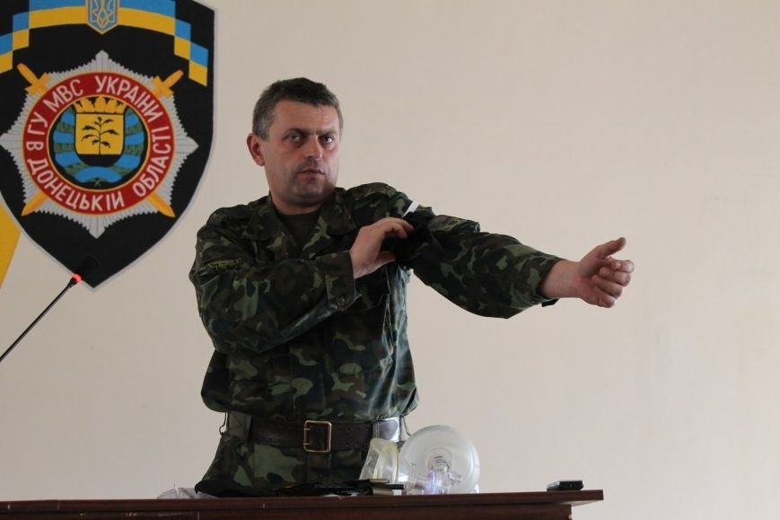 Эксперт из штаба АТО провел тренинг по оказанию первой помощи с добропольскими милиционерами (фото) - фото 1