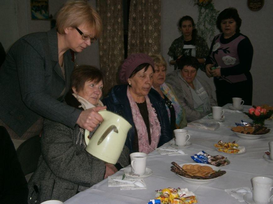 С подопечными Димитровского терцентра социального обслуживания встретились медики (фото) - фото 4