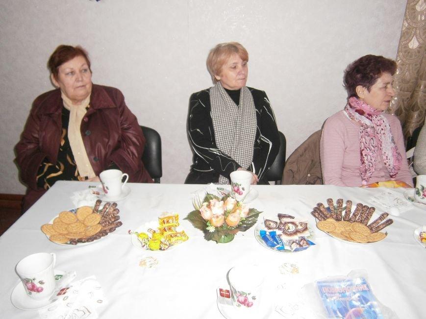 С подопечными Димитровского терцентра социального обслуживания встретились медики (фото) - фото 3