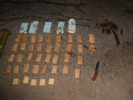 На Полтавщине остановили фуру, напичканную боеприпасами (ФОТО) (фото) - фото 1