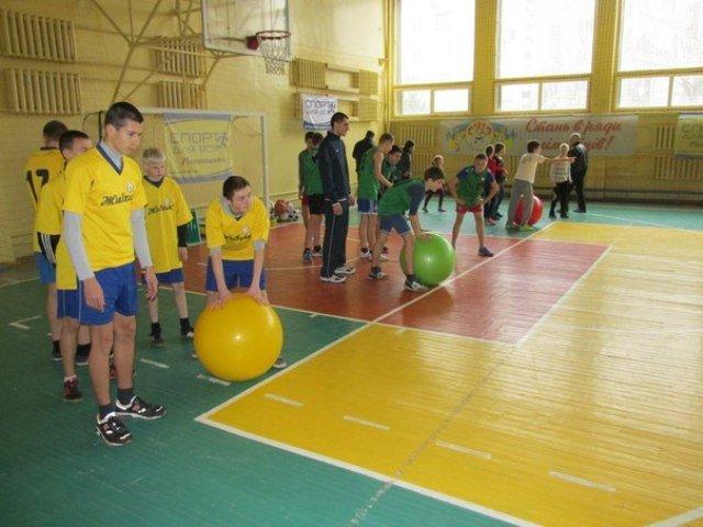 На Рівненщині визначили найспортивніший підлітковий клуб (фото) - фото 1