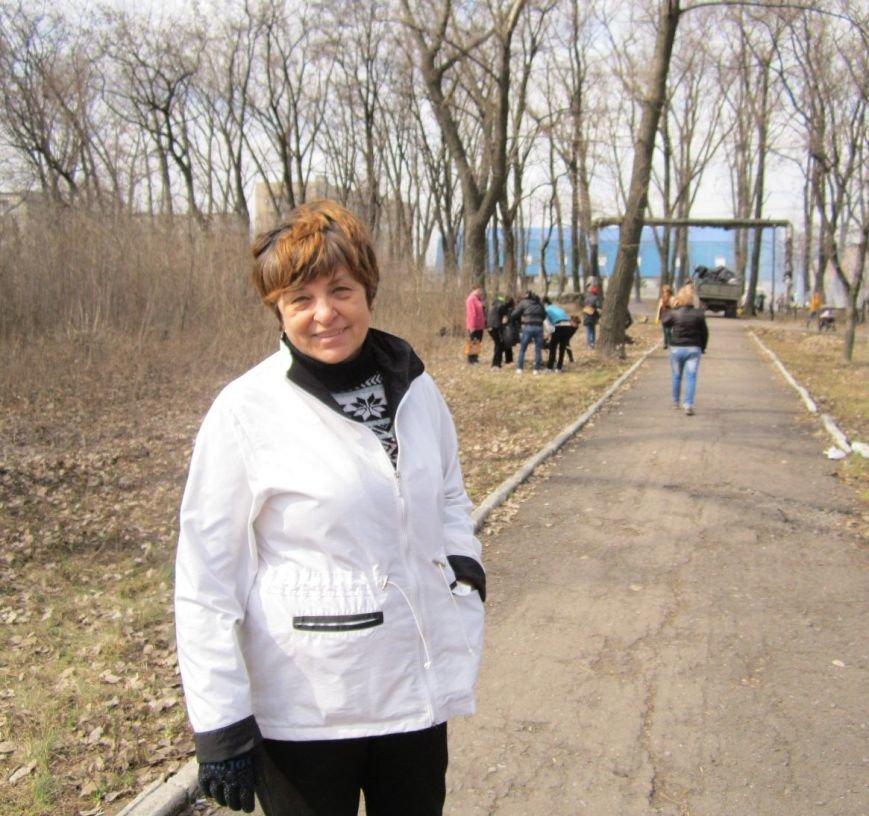 Полтысячи человек вышли на уборку Красноармейска (ФОТО, ВИДЕО), фото-12