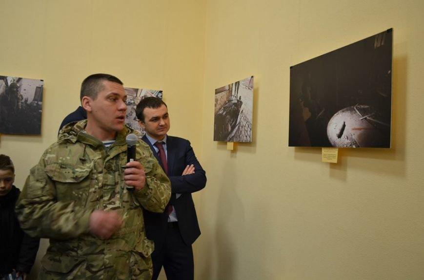 В Николаеве продадут фотографии «будней» донецкого аэропорта, чтобы помочь военному госпиталю (ФОТО), фото-4