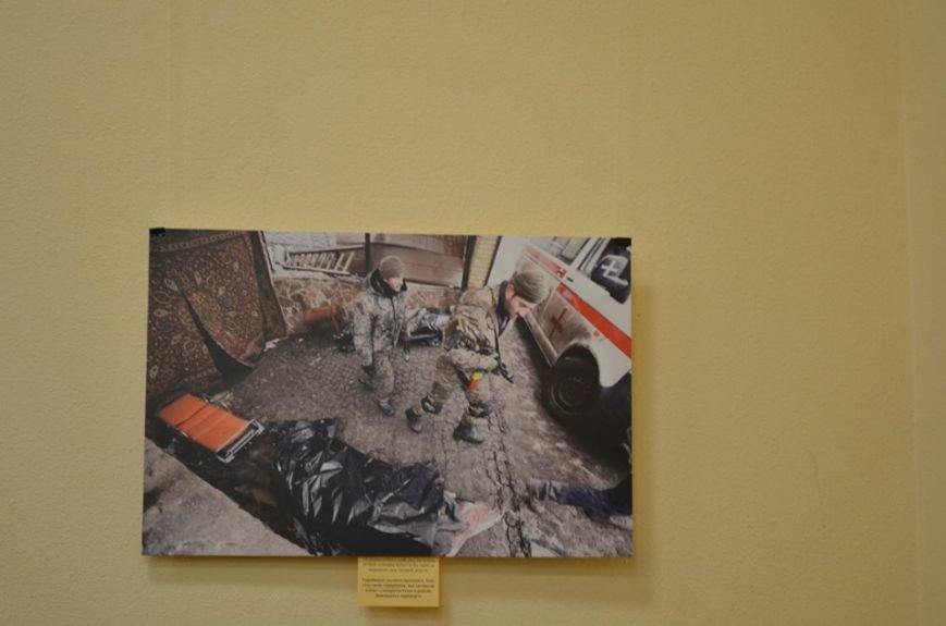 В Николаеве продадут фотографии «будней» донецкого аэропорта, чтобы помочь военному госпиталю (ФОТО), фото-3