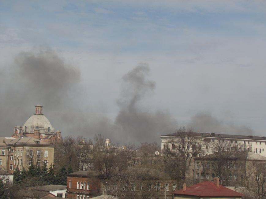 В центре Мариуполя пожар (ФОТО+ДОПОЛНЕНО), фото-4