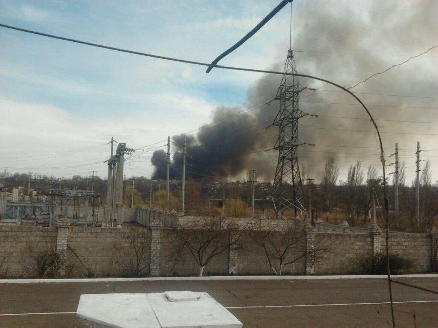 Густой дым над Мариуполем (фото) - фото 1