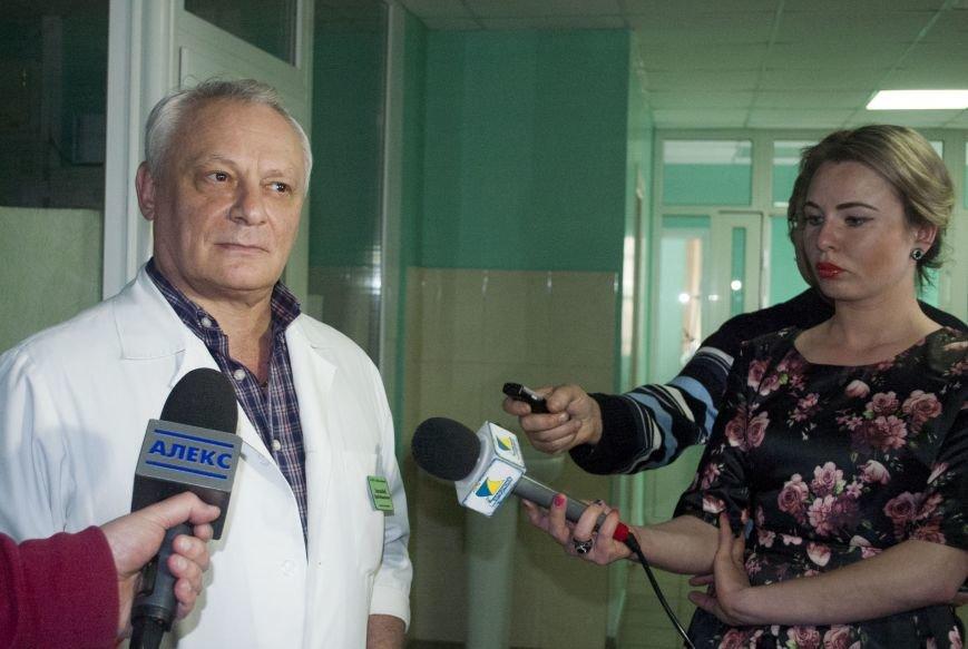 В новом оперблоке Запорожской горбольницы врачи поставили на ноги уже 12 пациентов (ФОТОРЕПОРТАЖ), фото-2