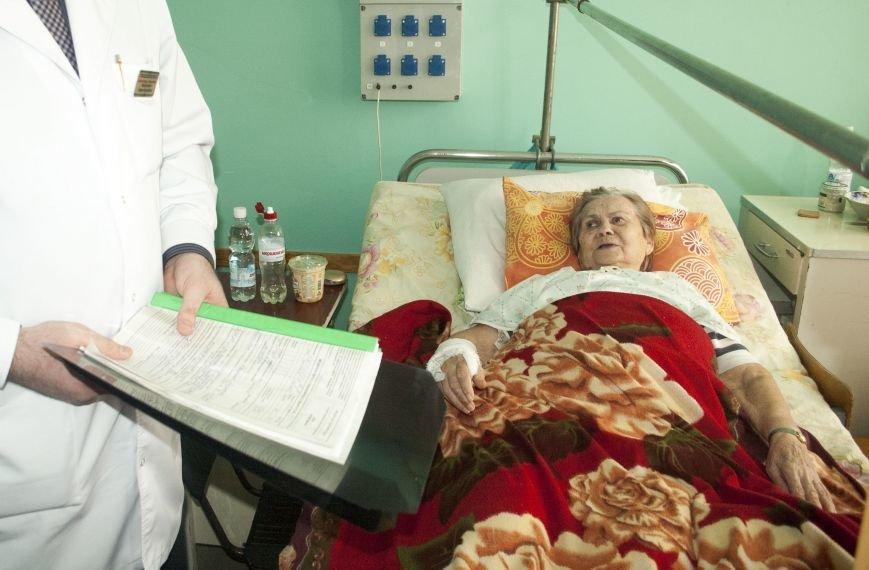 В новом оперблоке Запорожской горбольницы врачи поставили на ноги уже 12 пациентов (ФОТОРЕПОРТАЖ), фото-1