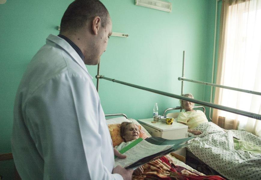 В новом оперблоке Запорожской горбольницы врачи поставили на ноги уже 12 пациентов (ФОТОРЕПОРТАЖ), фото-9