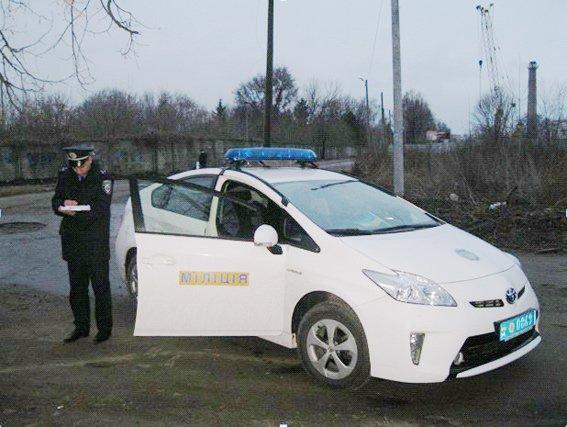 На Черкащині правоохоронці затримали чоловіка, який гуляв містом з гранатою (фото) - фото 1