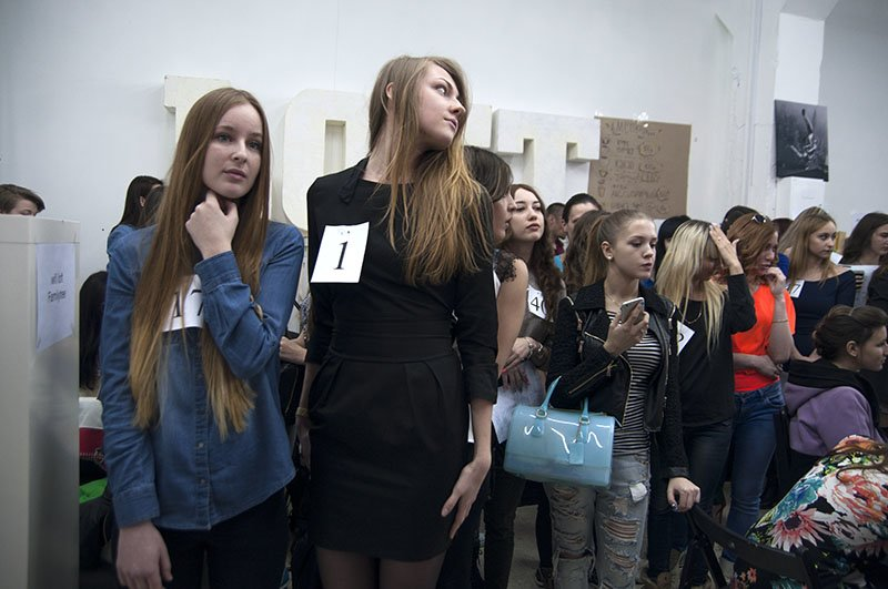Более 70 белгородских красавиц участвовали в кастинге на конкурс «Краса Белогорья-2015» (фото) - фото 2