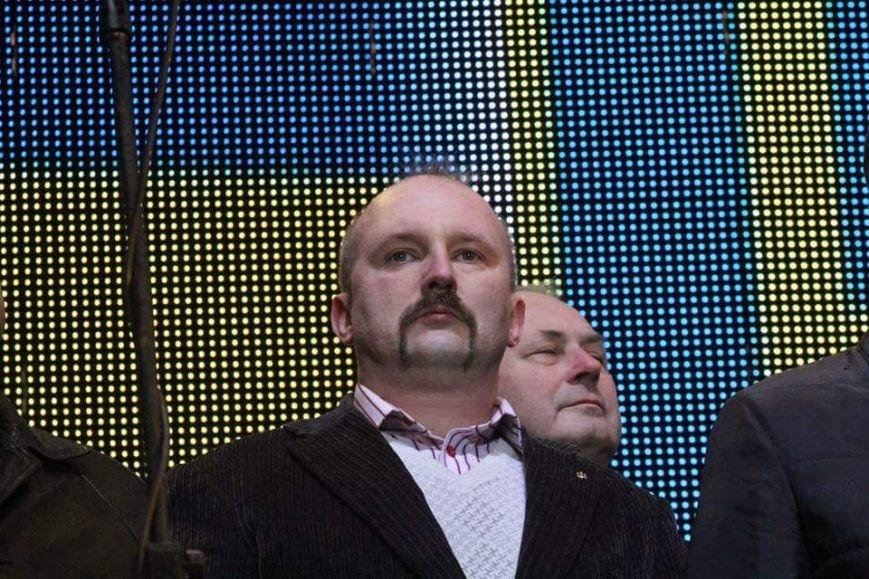 Вече в Днепропетровске: пели Руслана и Brutto.Коломойский не пришел (фото) - фото 3
