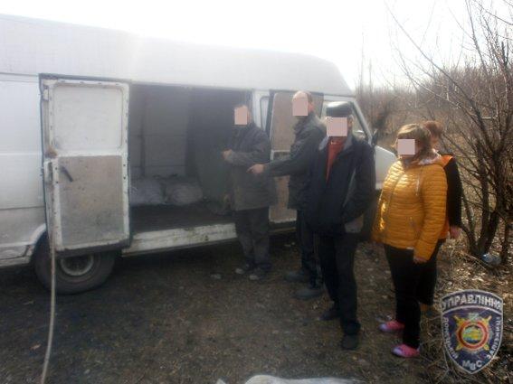 В Доброполье задержана группа расхитителей угля из грузового вагона (фото) - фото 3