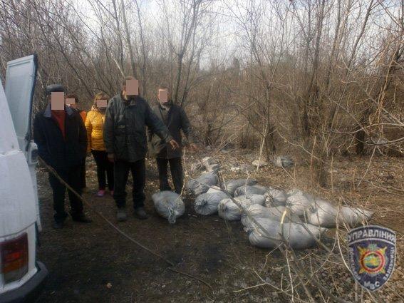 В Доброполье задержана группа расхитителей угля из грузового вагона (фото) - фото 2