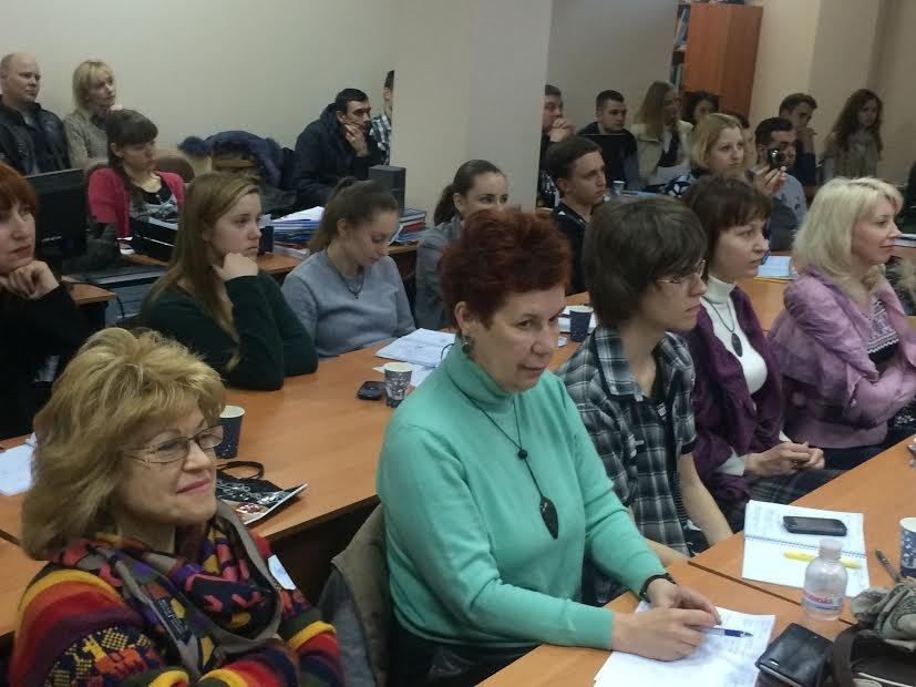 Мариупольские общественники и чиновники учились быть сознательными гражданами (ФОТО) (фото) - фото 2