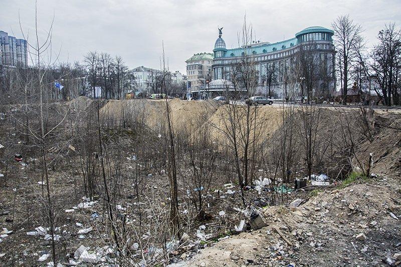 """Что происходит вокруг """"парка Героев Небесной сотни"""" (ФОТО) (фото) - фото 3"""