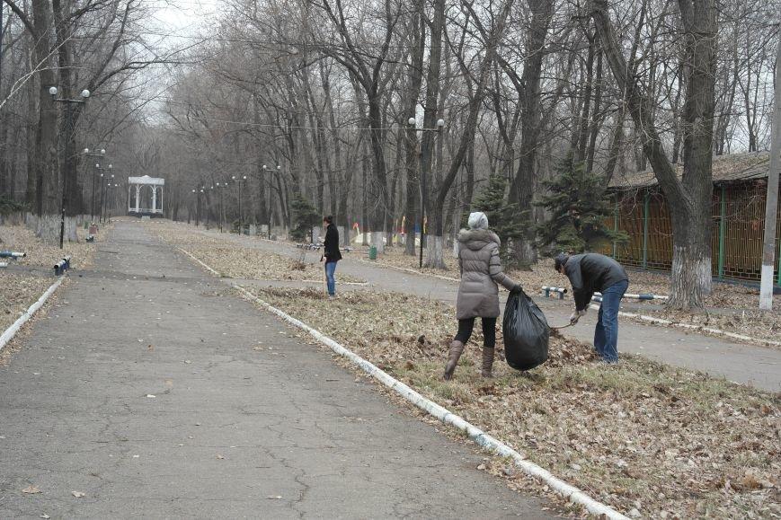 Генеральная уборка в Красноармейске: от прака «Юбилейный» до Динаса (фото) - фото 6