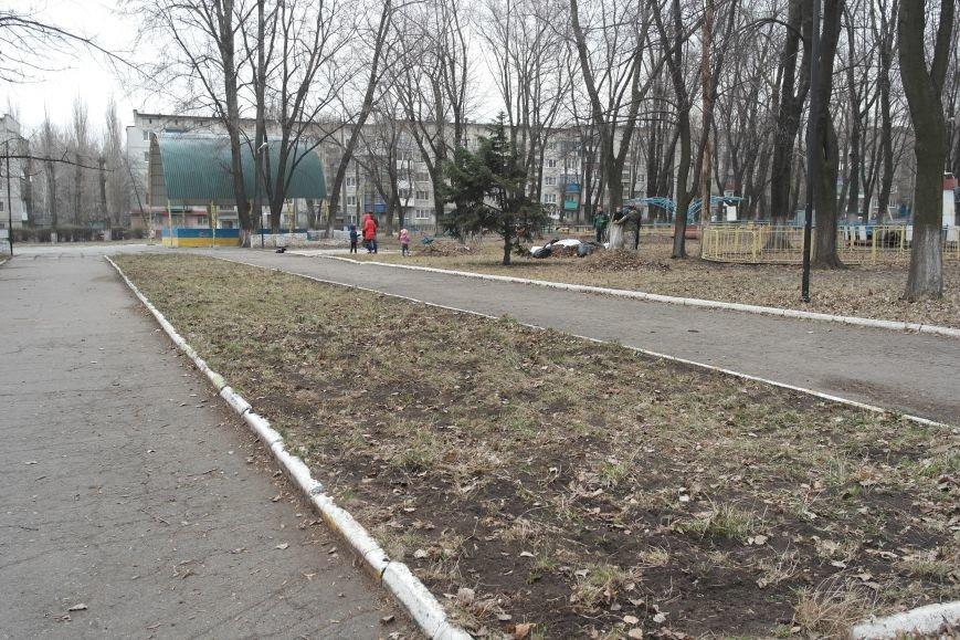 Генеральная уборка в Красноармейске: от прака «Юбилейный» до Динаса (фото) - фото 17