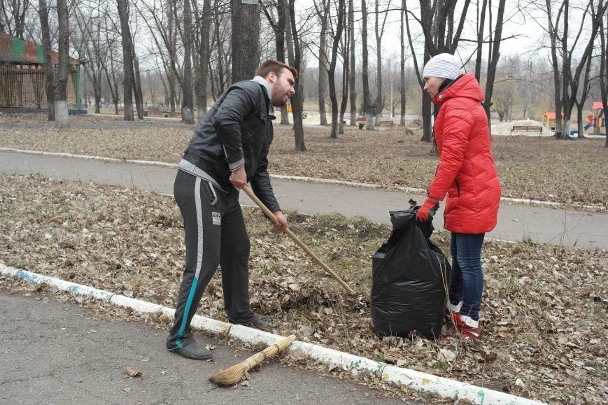Генеральная уборка в Красноармейске: от прака «Юбилейный» до Динаса (фото) - фото 7