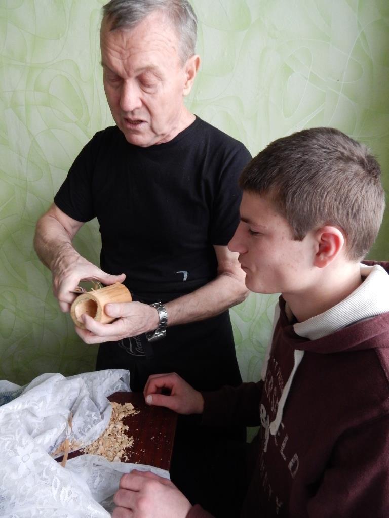 Парней из Кременчугской воспитательной колонии научили резьбе по дереву (ФОТО) (фото) - фото 1