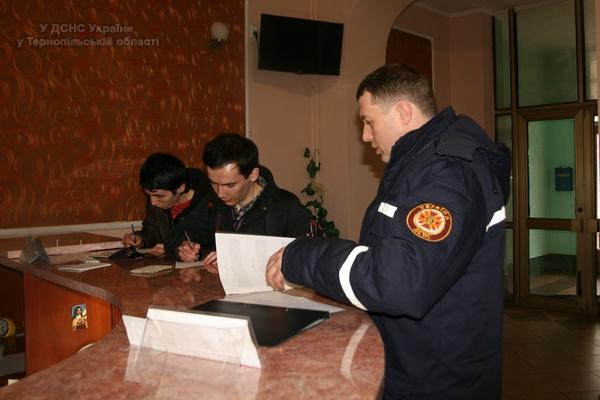 До Тернополя приїхали двоє братів з Криму, яких переслідують окупанти(фото, відео) (фото) - фото 1