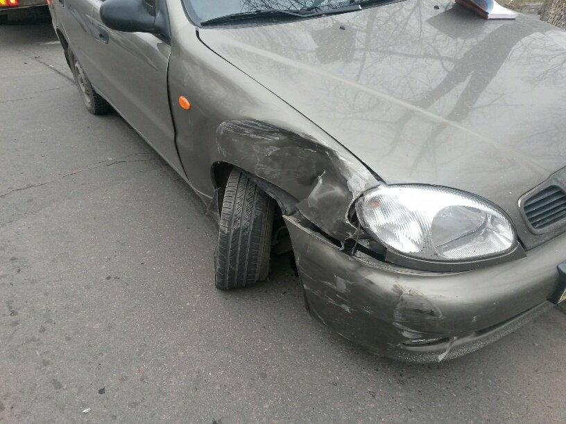 В Мариуполе внедорожник столкнулся с легковушкой (ФОТО), фото-3