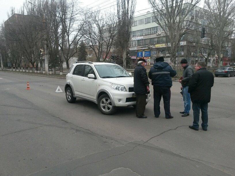 В Мариуполе внедорожник столкнулся с легковушкой (ФОТО), фото-7