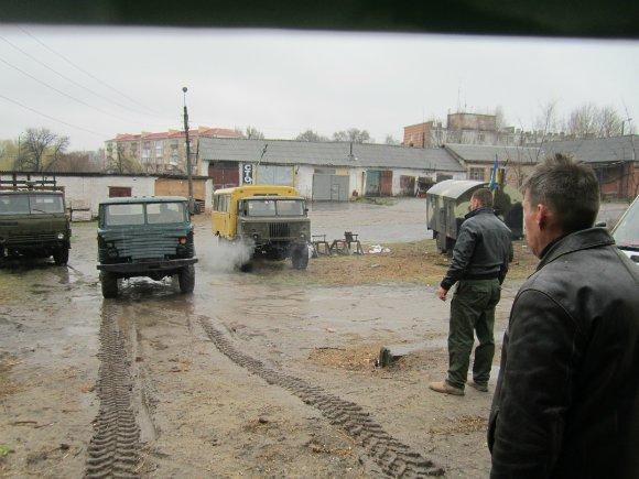 Бойцы 17 батальона прибыли в Александрию за техникой. ФОТО (фото) - фото 1