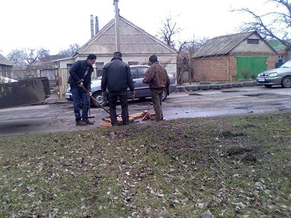 В Краматосрке началсмя ремонт дорог (фото) - фото 1