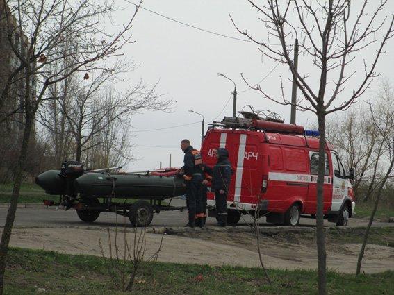 В Николаеве на берегу реки нашли труп мужчины, одетого в военную форму (ФОТО) (фото) - фото 2