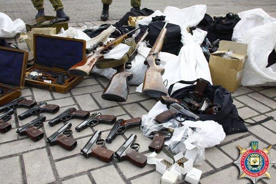 За 2015 год у жителей Донетчины изъято 389 гранат, 60 гранатометов и более 44 кг взрывчатых веществ. ФОТО (фото) - фото 1