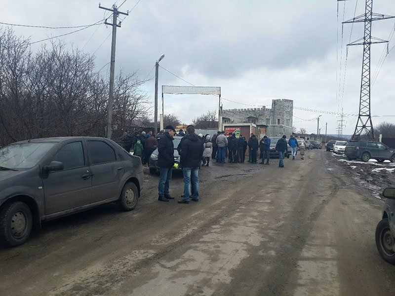 В Белгороде дома, построенные на территории дачных участков рядом с аэропортом, оказались под угрозой сноса (фото) - фото 4