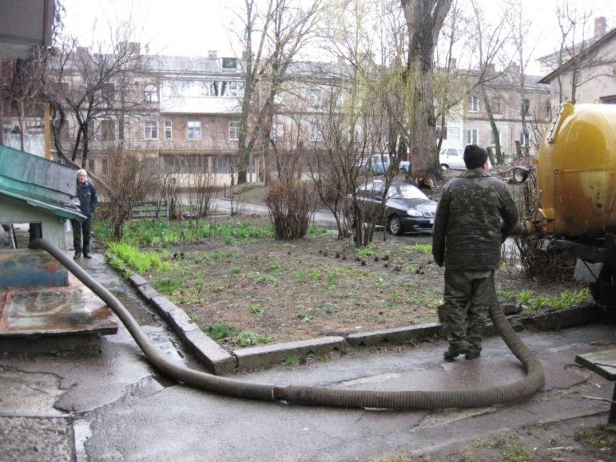 Подвал в центре Чернигова из-за арендатора заливало больше недели, фото-3