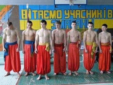 В Днепродзержинске учащиеся ПТУ соревновались в игре «Сокол» («Джура») (фото) - фото 2