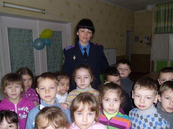 Транспортные милиционеры посетили криворожский детский сад (ФОТО) (фото) - фото 1