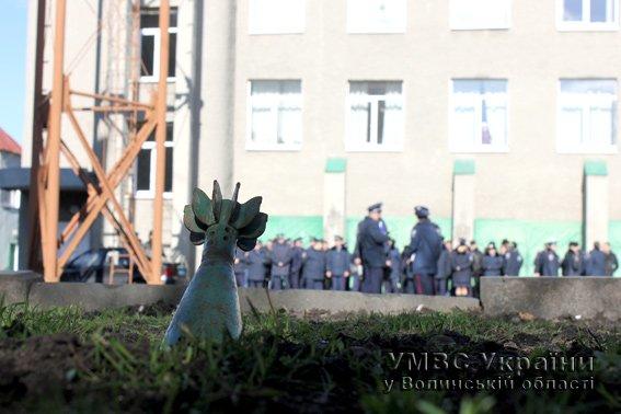 В будівлю УМВС Волині «влучив снаряд» (ФОТОРЕПОРТАЖ, ВІДЕО) (фото) - фото 1