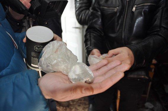 В Николаеве задержали банду со взрывчаткой прямо на трассе (ФОТО, ВИДЕО) (фото) - фото 1