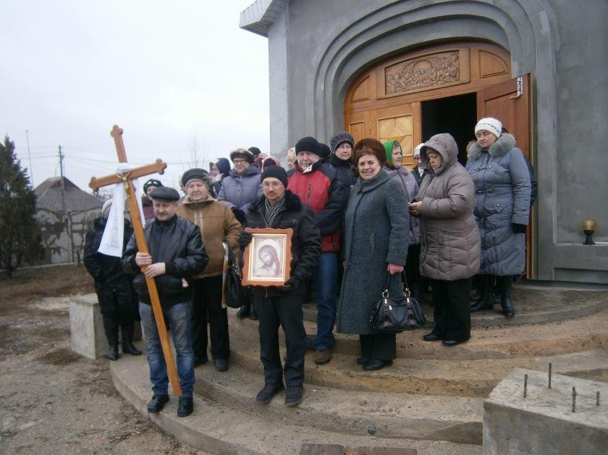 В Димитрове прошла молитвенная Крестная дорога за мир и покаяние (ФОТО) (фото) - фото 1