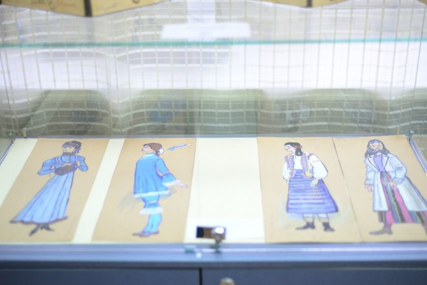 В Запорожье открылась художественная выставка «Время на полотне» (ФОТОРЕПОРТАЖ), фото-24